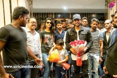 Allu-Arjun-watching-Syeraa-@AMB-along-with-his-family-2