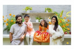 AlluArjun-Dussehra-celebrates-with-his-family-2