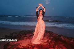 Big-Boss-fame-Divi-Vadthya-Photos-19