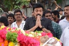Celebrities-pay-homage-to-Venu-Madhav-11