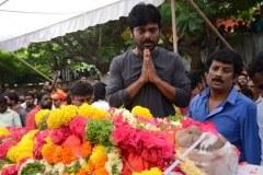 Celebrities-pay-homage-to-Venu-Madhav-13