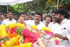 Celebrities-pay-homage-to-Venu-Madhav-15