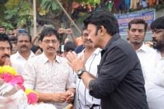 Celebrities-pay-homage-to-Venu-Madhav-17