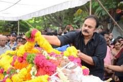 Celebrities-pay-homage-to-Venu-Madhav-19