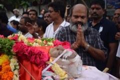 Celebrities-pay-homage-to-Venu-Madhav-2