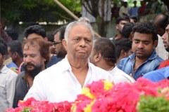 Celebrities-pay-homage-to-Venu-Madhav-22