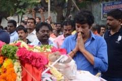 Celebrities-pay-homage-to-Venu-Madhav-4