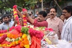 Celebrities-pay-homage-to-Venu-Madhav-5