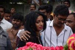 Celebrities-pay-homage-to-Venu-Madhav-6