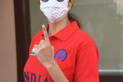 Celebs.-Voteing-GHMC-Elections-16