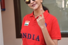 Celebs.-Voteing-GHMC-Elections-18