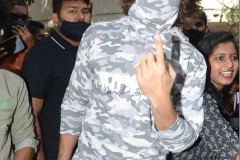 Celebs.-Voteing-GHMC-Elections-8