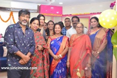 Chota-K.-Naidu-Launched-by-Pinks-N-Bloos-Beauty-Salon-12