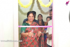 Chota-K.-Naidu-Launched-by-Pinks-N-Bloos-Beauty-Salon-13