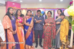 Chota-K.-Naidu-Launched-by-Pinks-N-Bloos-Beauty-Salon-15