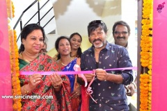 Chota-K.-Naidu-Launched-by-Pinks-N-Bloos-Beauty-Salon-6