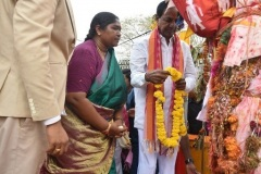 CM-KCR-went-to-Medaram-to-Visit-Sammakka-and-Saaralamma-13