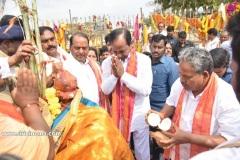 CM-KCR-went-to-Medaram-to-Visit-Sammakka-and-Saaralamma-5