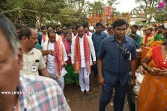 CM-KCR-went-to-Medaram-to-Visit-Sammakka-and-Saaralamma-8