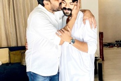 Congratulations-to-RamCharan-and-Surenderreddy-and-team-3