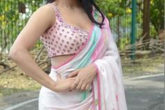 Daksha-Nagarkar-New-Photos-4