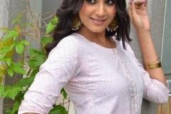 Divya-Rao-new-photos-3