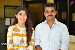 EVVARIKEE-CHEPPODHU-Heroine-GARGEYI-Director-SHANKAR-interview-1