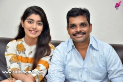 EVVARIKEE-CHEPPODHU-Heroine-GARGEYI-Director-SHANKAR-interview-4
