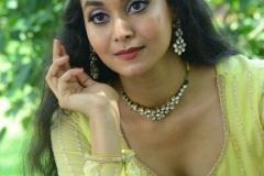 Gnana-Priya-New-Stills-11