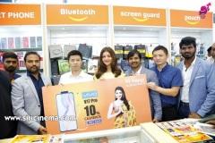 Kajal-Launches-Happi-Mobiles-Store-at-Vizag-12