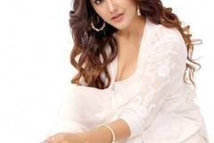 Malvika-Sharma-new-pics-4