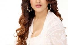 Malvika-Sharma-new-pics-8
