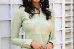 Meenakshi-Chaudhary-new-photos-7