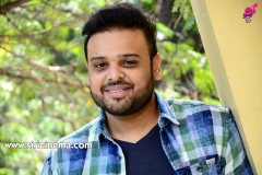 Naveen-Vijaya-Krishna-Interview-Photos-11