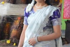 Naveena-Reddy-New-Photos-22