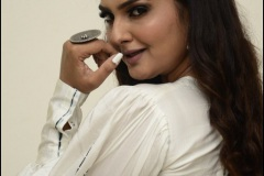 Neha-Deshpaney-New-Photos-9