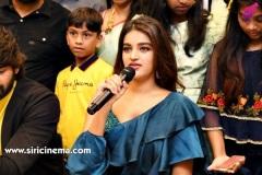 Nidhhi-Agerwal-and-Karthikeya-launch-KLM-Shopping-Mall-14