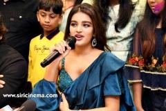 Nidhhi-Agerwal-and-Karthikeya-launch-KLM-Shopping-Mall-15