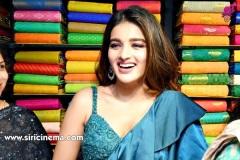 Nidhhi-Agerwal-and-Karthikeya-launch-KLM-Shopping-Mall-17