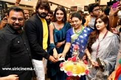 Nidhhi-Agerwal-and-Karthikeya-launch-KLM-Shopping-Mall-21