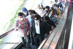 Pawan-Kalyan-travels-in-Metro-14