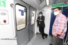 Pawan-Kalyan-travels-in-Metro-9