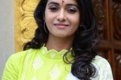 Priya-Bhavani-Shankar-new-photos-12