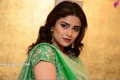 Priyanka-Sharma-new-photos-11