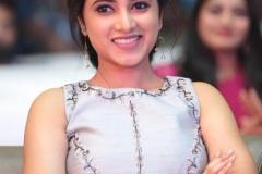Priyankaamohan-New-Photos-12