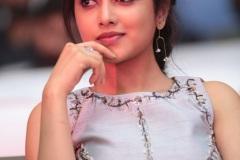 Priyankaamohan-New-Photos-16