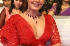 Rashi-Khanna-latest-photos-9