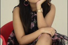 Rashi-Singh-New-Photos-17