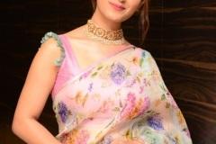 Ruhani-Sharma-new-photos-1