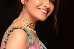 Ruhani-Sharma-new-photos-14